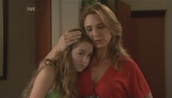 Tegan Freedman, Cassandra Freedman in Neighbours Episode 5622