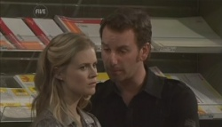 Elle Robinson, Lucas Fitzgerald in Neighbours Episode 5622