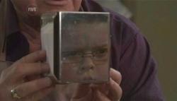 Lou Carpenter, Callum Jones in Neighbours Episode 5624