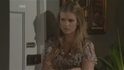 Elle Robinson in Neighbours Episode 5626