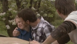 Elle Robinson, Lucas Fitzgerald in Neighbours Episode 5626