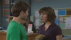 Declan Napier, Bridget Parker in Neighbours Episode 5626