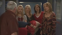 Lou Carpenter, Donna Freedman, Steph Scully, Rebecca Napier, Miranda Parker in Neighbours Episode 5628