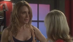 Cassandra Freedman, Samantha Fitzgerald in Neighbours Episode 5628