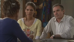 Susan Kennedy, Rachel Kinski, Karl Kennedy in Neighbours Episode 5629