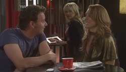 Lucas Fitzgerald, Steph Scully, Cassandra Freedman in Neighbours Episode 5629