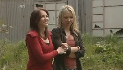 Libby Kennedy, Steph Scully in Neighbours Episode 5629