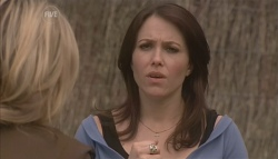 Steph Scully, Libby Kennedy in Neighbours Episode 5630