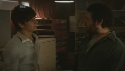 Zeke Kinski, Phil Andrews in Neighbours Episode 5631