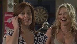 Rebecca Napier, Steph Scully in Neighbours Episode 5632