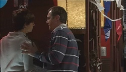 Zeke Kinski, Karl Kennedy in Neighbours Episode 5632