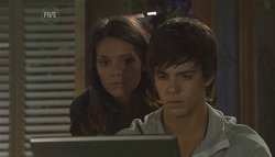 Rachel Kinski, Zeke Kinski in Neighbours Episode 5633