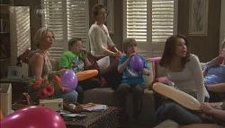 Steph Scully, Callum Jones, Susan Kennedy, Mickey Gannon, Libby Kennedy, Dahl in Neighbours Episode 5635