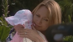 Laura Smith, Miranda Parker in Neighbours Episode 5638