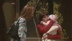 Miranda Parker, Amanda Smith, Laura Smith in Neighbours Episode 5638