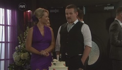 Steph Scully, Toadie Rebecchi in Neighbours Episode 5639