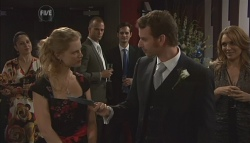 Elle Robinson, Lucas Fitzgerald in Neighbours Episode 5639