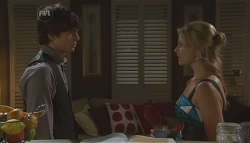 Zeke Kinski, Donna Freedman in Neighbours Episode 5640