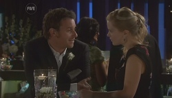 Lucas Fitzgerald, Elle Robinson in Neighbours Episode 5640