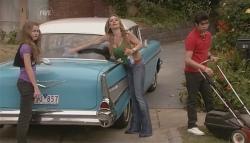 Tegan Freedman, Cassandra Freedman, Simon Freedman in Neighbours Episode 5640