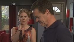 Elle Robinson, Paul Robinson in Neighbours Episode 5641