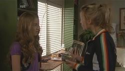 Tegan Freedman, Donna Freedman in Neighbours Episode 5641