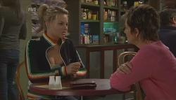 Donna Freedman, Susan Kennedy in Neighbours Episode 5641