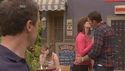 Paul Robinson, Rebecca Napier, Andrew Simpson in Neighbours Episode 5641