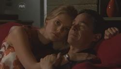 Elle Robinson, Paul Robinson in Neighbours Episode 5642