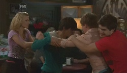 Donna Freedman, Zeke Kinski, Ringo Brown, Declan Napier in Neighbours Episode 5642