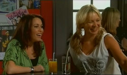 Libby Kennedy, Steph Scully in Neighbours Episode 5670