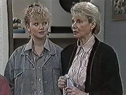 Sharon Davies, Helen Daniels in Neighbours Episode 1029