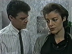 Paul Robinson, Gail Robinson in Neighbours Episode 1031