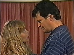Jane Harris, Des Clarke in Neighbours Episode 1031