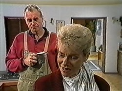 Jim Robinson, Helen Daniels in Neighbours Episode 1031