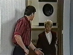 Des Clarke, Helen Daniels in Neighbours Episode 1031