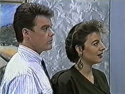 Paul Robinson, Gail Robinson in Neighbours Episode 1032