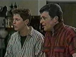 Joe Mangel, Des Clarke in Neighbours Episode 1033