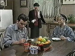 Matt Robinson, Hilary Robinson, Sharon Davies in Neighbours Episode 1034