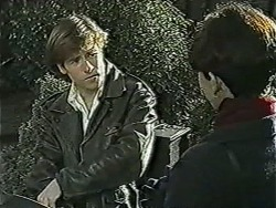 Mike Young, Hilary Robinson in Neighbours Episode 1034
