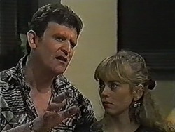 Des Clarke, Jane Harris in Neighbours Episode 1036