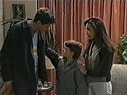 Joe Mangel, Toby Mangel, Kerry Bishop in Neighbours Episode 1037