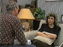Jim Robinson, Beverly Marshall in Neighbours Episode 1037