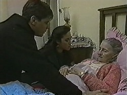 Joe Mangel, Kerry Bishop, Mary Crombie in Neighbours Episode 1037