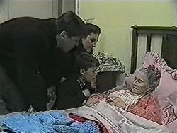 Joe Mangel, Kerry Bishop, Toby Mangel, Mary Crombie in Neighbours Episode 1038