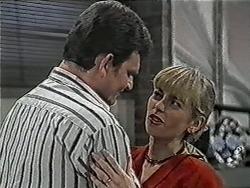 Des Clarke, Jane Harris in Neighbours Episode 1038