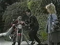 Nick Page, Matt Robinson, Sharon Davies in Neighbours Episode 1038