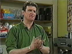 Des Clarke in Neighbours Episode 1039