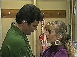 Des Clarke, Jane Harris in Neighbours Episode 1039