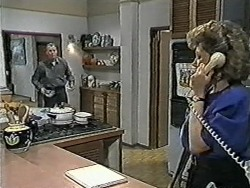 Jim Robinson, Beverly Robinson in Neighbours Episode 1040